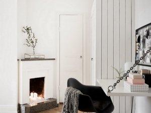 小型白色室内门装修效果图  多层实木门图片