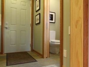 原木风格室内木门装修效果图 白色木门图片