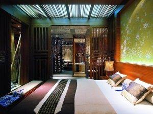 中式实木门镂空板图片 卧室棕色实木推拉门图片展示