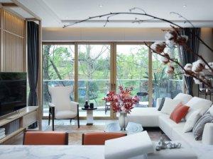 中式香槟色铝合金门窗图片 阳台平移滑动铝合金门图片