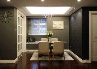 欧式铝合金门窗图片 推拉式银白色铝合金门窗图片