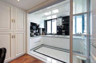卧室银白色铝合金门窗图片 搭出精致美家