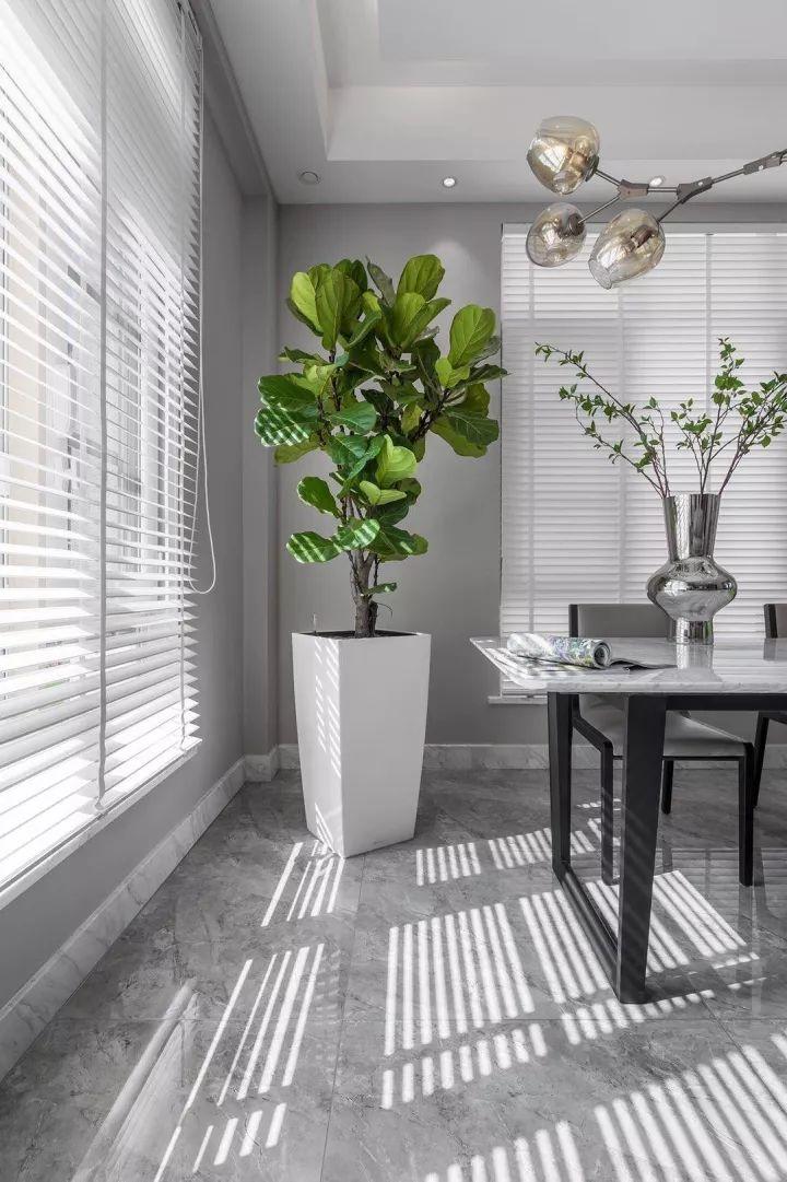 餐厅深灰色铝合金门图片 铝合金玻璃门双开图片